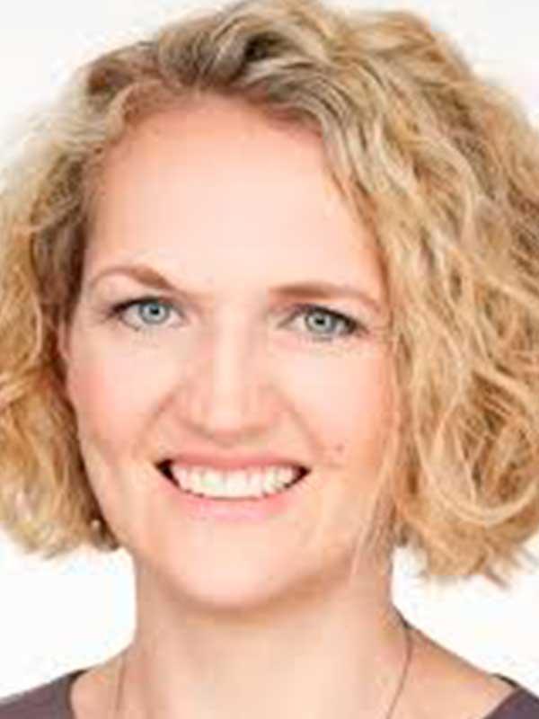 Dr. Christina Sternbauer